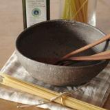 山本泰三さんのかわいいコロンとしたダ円鉢です。 深さもたっぷりあるので、煮物を入れたり、大人数のパスタを 盛り付けたり、いろいろと活躍してくれそう。