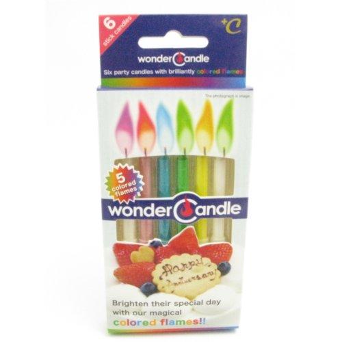 【カラーの炎が楽しめる!】石油パラフィン不使用の地球に優しいワンダーキャンドル・スティック   ワンダーキャンドルは、従来のキャンドルと違い、炎に5色の色彩をつけたまったく新しいタイプのキャンドルです。  カラーは5種類、赤・黄・緑・青・紫が色鮮やかに灯ります。 石油パラフィン原料ではないため、燃焼時に有害なススをいっさい出しません! においもないのでバースディキャンドルとして安全にお使い頂けます。  24個セットでご注文頂いたお客様には専用のディスプレイBOXにてお送り致します。 ※本品は日本でライセンスを取得し、日本の管理基準のもと中国で製造・パッケージして輸入しています。 *類似品にご注意下さい。