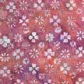 モダン コットン バティック(ろうけつ染め)生地 ジャワ更紗ともいい、インドネシア独特の色使い、他の生地とも合わせ易く、 より一層バティックの良さ引き立てる事が出来るかと思います。 カーテン、暖簾、各種カバー、衣類、 バティック生地で、子供服、カバン、小物などの製作にどうでしょうか?