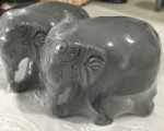 キュートな顔の象さん ペアでベッドサイドや寝室に置いてください