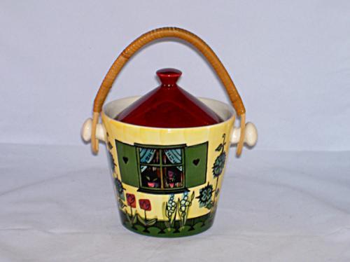 とっても可愛いお家の形のジャム瓶「シルト・クルース」。スウェーデン・デコ社製品です。 「Sylt」はスウェーデン語でジャムの意味。