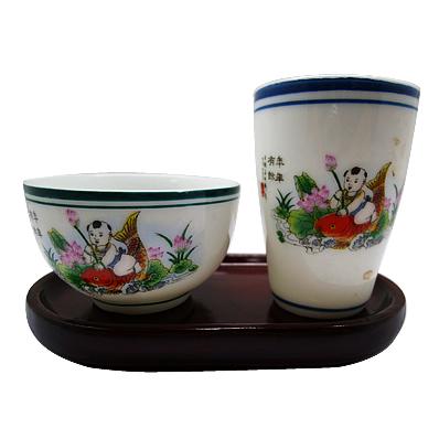 レトロで可愛い茶杯(魚にのった子供)2ケ。 こちらはセット商品となります。(台座はついておりません) ※台座は別途カテゴリーでご購入いただけます http://www.chai-tro.jp/?mode=cate&cbid=1129583&csid=4