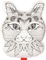 ご覧のとおりのネコ型クッション!これはもうネコ好きにはたまりませんね!  白地はポリコットンでそこに黒ネコの顔がプリントされています。文句なしにキュートなクッションです。 どこにおいてもアクセントになって人目を引く事間違いなし。