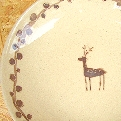 陶芸家 坪井恵美子さんのシカの絵柄のかわいいお皿が入荷です。 ナチュラルなカラーとシンプルなお皿は毎日活躍してくれそうです。