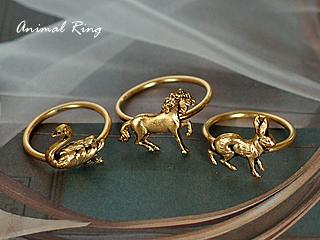 フランスの新作アクセサリー!動物モチーフのリングです。