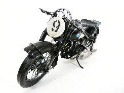新作のブリキのオートバイです。 他にも様々な種類のオートバイがありますので 是非一度ご覧になってください。