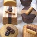 ひと粒チョコのマグネットです。色んな樹種を使ってチョコ感を表現、食べられないけど美味しそう!さらに小さくても磁力は強力、甘い物が苦手な方へもスイーツギフトが贈れます。【5個セット*送料込み2800円】
